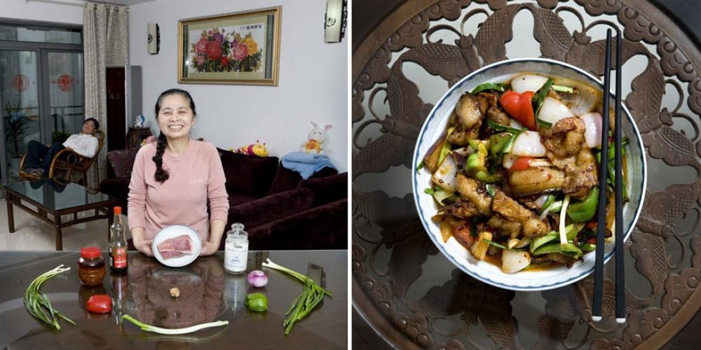Китай. Блюдо: свинина с овощами.