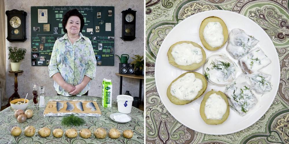 Латвия. Блюдо: сельдь с картофелем и творогом.