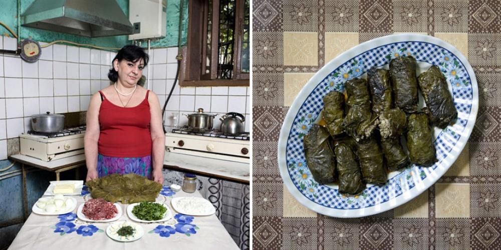 Армения. Блюдо: долма (голубцы в виноградных листьях).