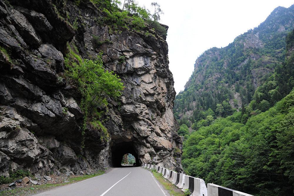 спускаешься дороги горные в грузии фото повсеместно четвергу
