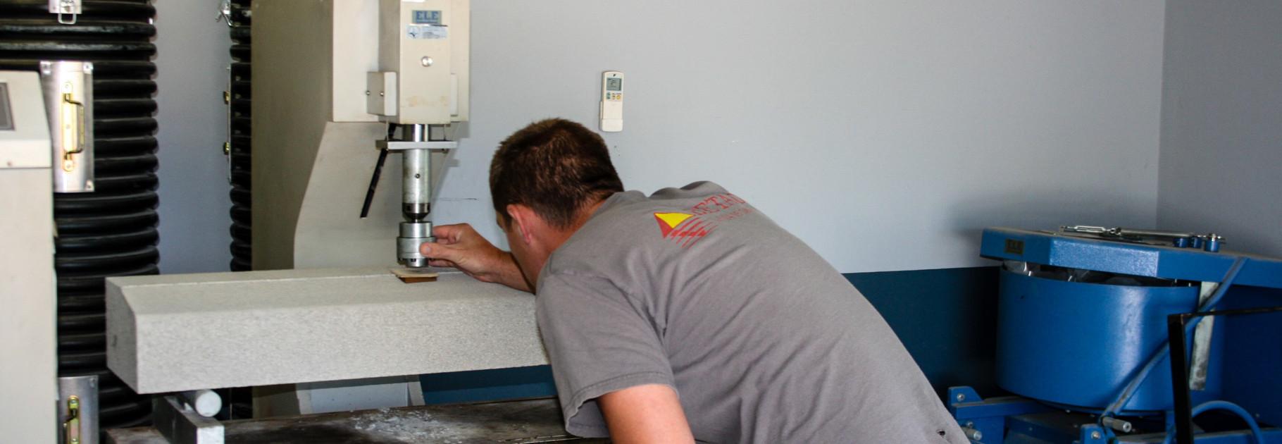 Laboratoire de mat riaux b tons et agr gats lucciana for 998 haute compression
