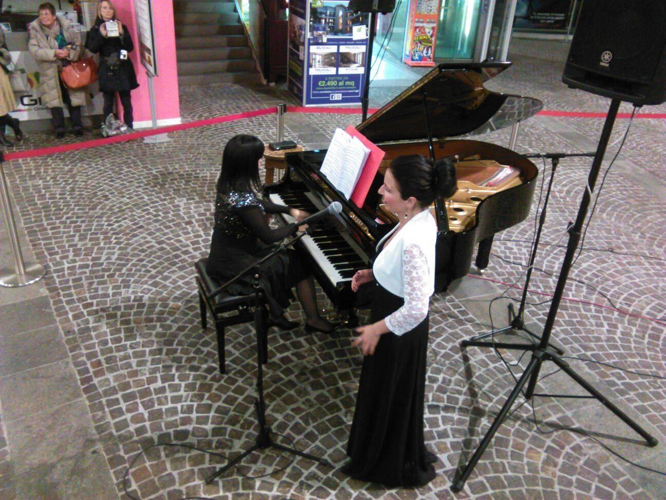Il soprano Elisa Maffi e la pianista Isabella Inzaghi.