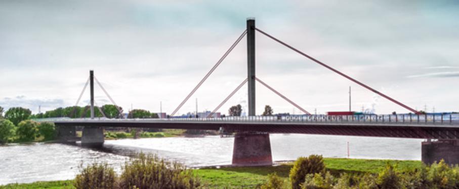 Rheinbrücke in Leverkusen