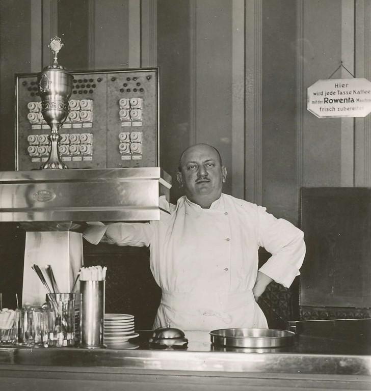 Otto Gümmel im Gasthaus in Chemnitz 30er Jahre