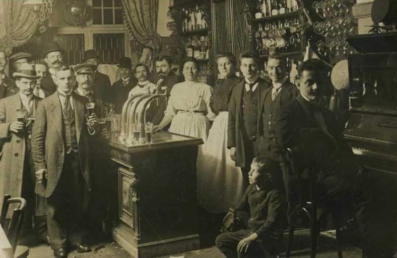 """""""Zum Straus"""" Berlin 1905 - Bogensäule Neusilber"""