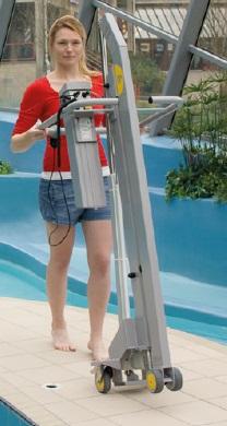 ascensor piscina baterías
