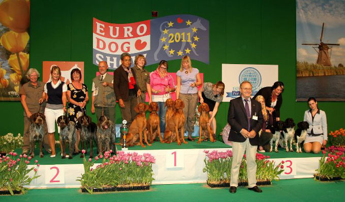 The winners - Latka together with her father and littermates