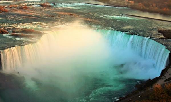 10_カナダ横断旅行 トロント・ナイアガラ滝をヘリコプターから撮影