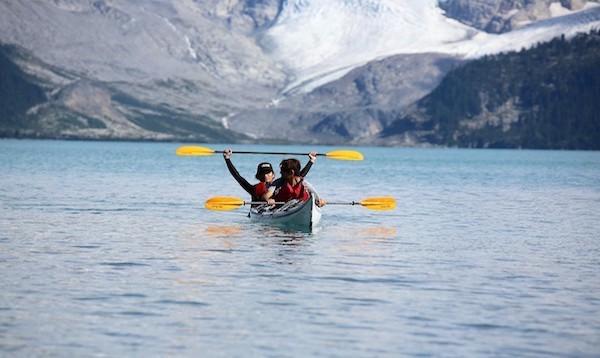 カナダ・バンクーバーにて カナダではカヌーやカヤックが定番のアウトドアアクティビティです