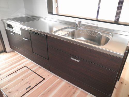 リーズナブルな食器洗い乾燥機付きキッチン