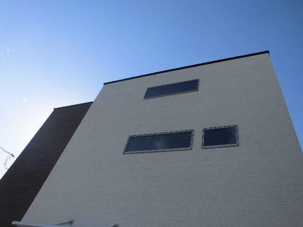 ガラスはすべて断熱と遮熱に優れるLOW-E複層ガラス