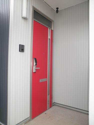 アパート用玄関ドアでコストダウン