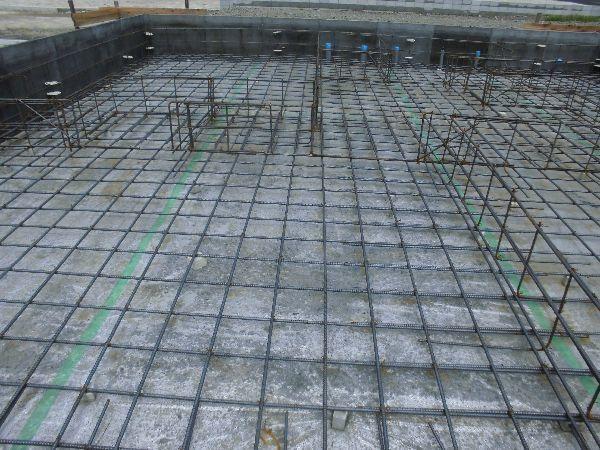 防湿シートとコンクリートで床下からの湿気を遮断