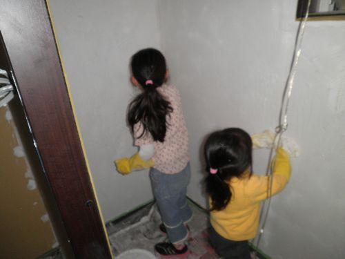 子供でもできる漆喰塗り