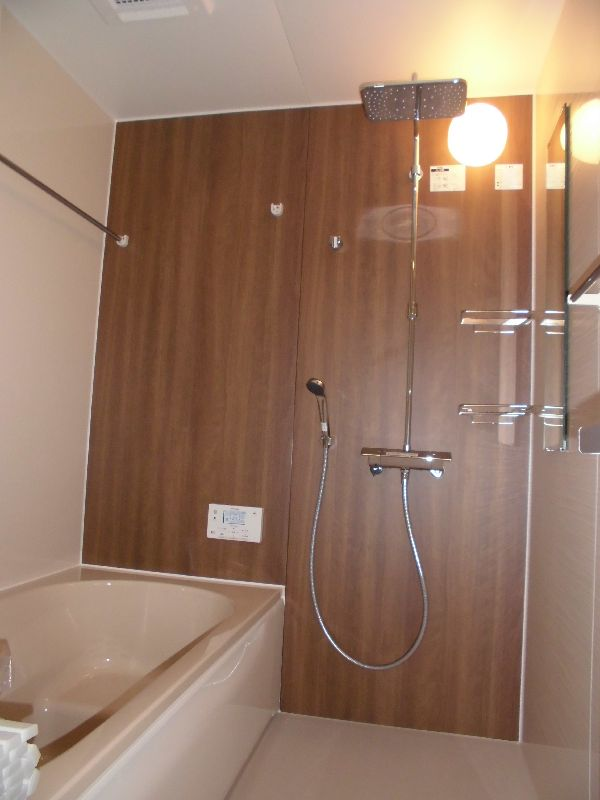 シャワーが楽しめる浴室