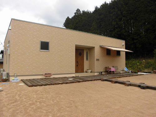 1800万円台の中庭のある平屋住宅外観