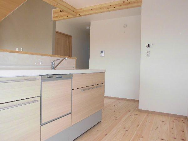 檜の無垢フローリングのキッチン