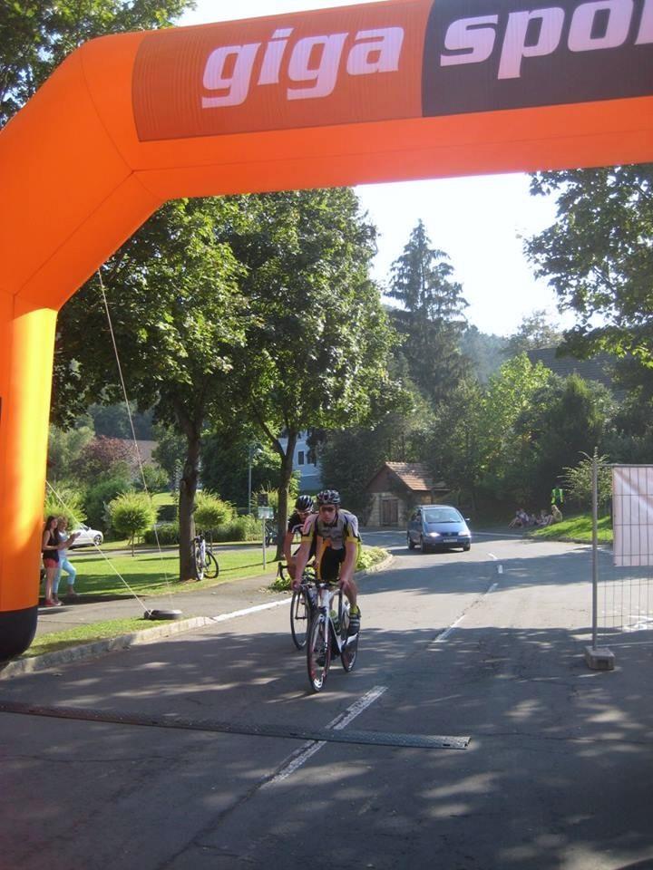 Sieger Dr. Krisztian Molnar bei der Zieldurchfahrt