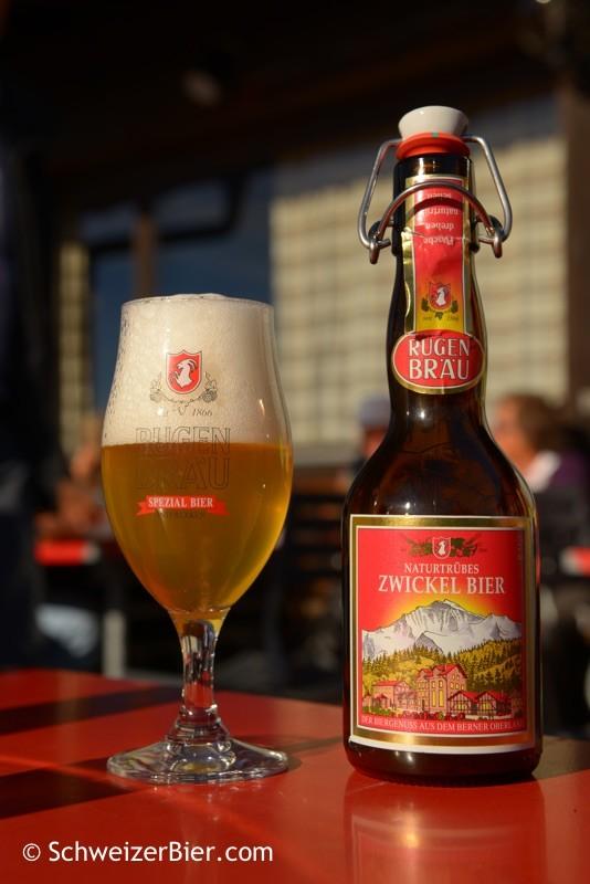 Rügenbräu Naturtrübes Zwickel Bier in der Bügelflasche