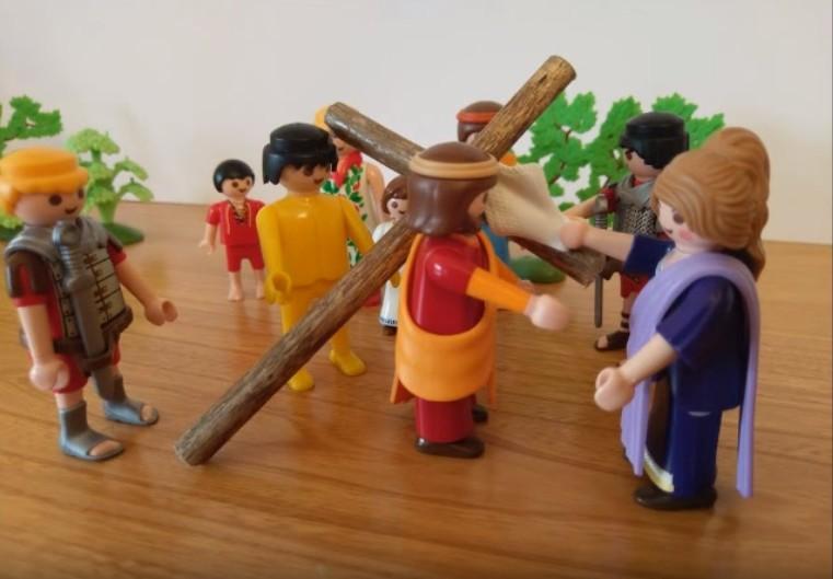 Le chemin de croix - Une femme essuie le visage de jésus