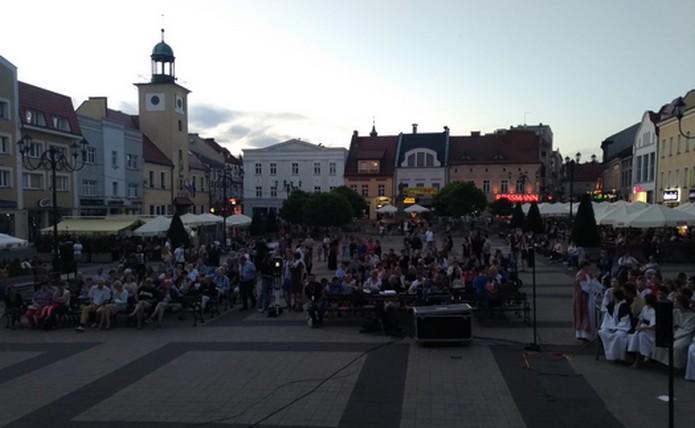 Les nombreux spectateurs sont en place - Rybnic