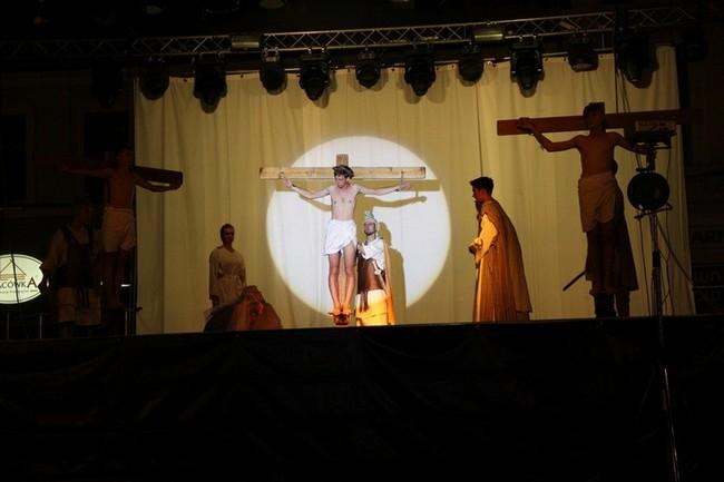 La représentation (la mort en croix) - Rybnic