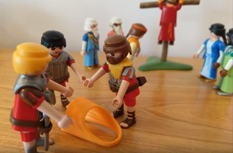 La mort en croix - Les soldats jouent la tunique de Jésus aux dés