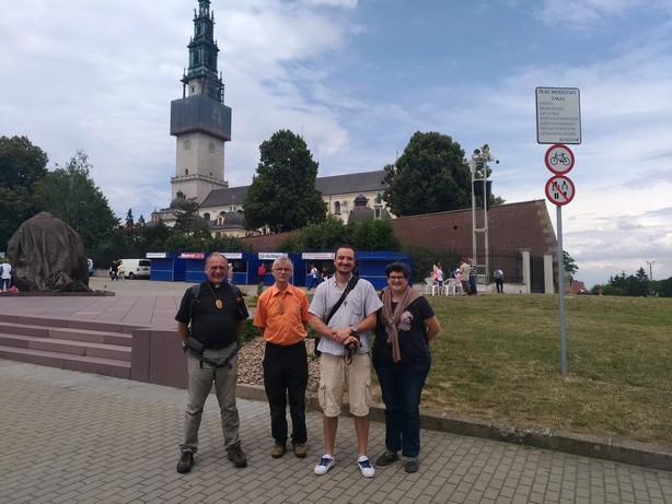 L'équipe des Baladins à Notre-Dame de Czestochowa