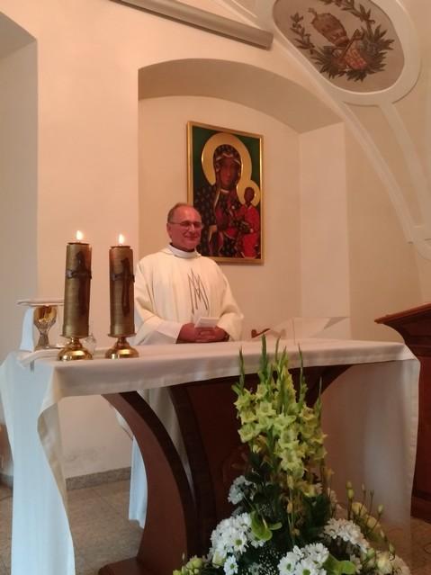 Le père Serge officiant à Czestochowa