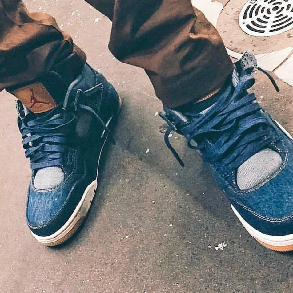 La Levi's x Air Jordan IV Denim