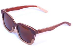 ulleres de bambú polaritzades dona