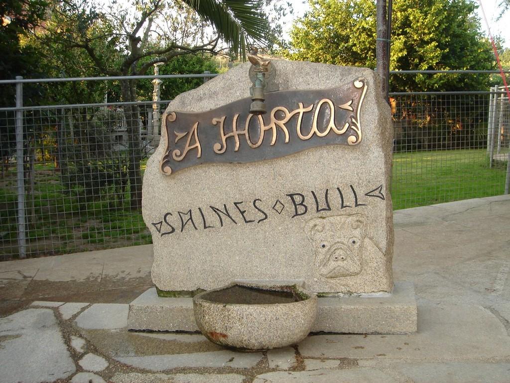 Fuente Salnes Bull diseñada y realizada por Julio Doval ( mi padre)