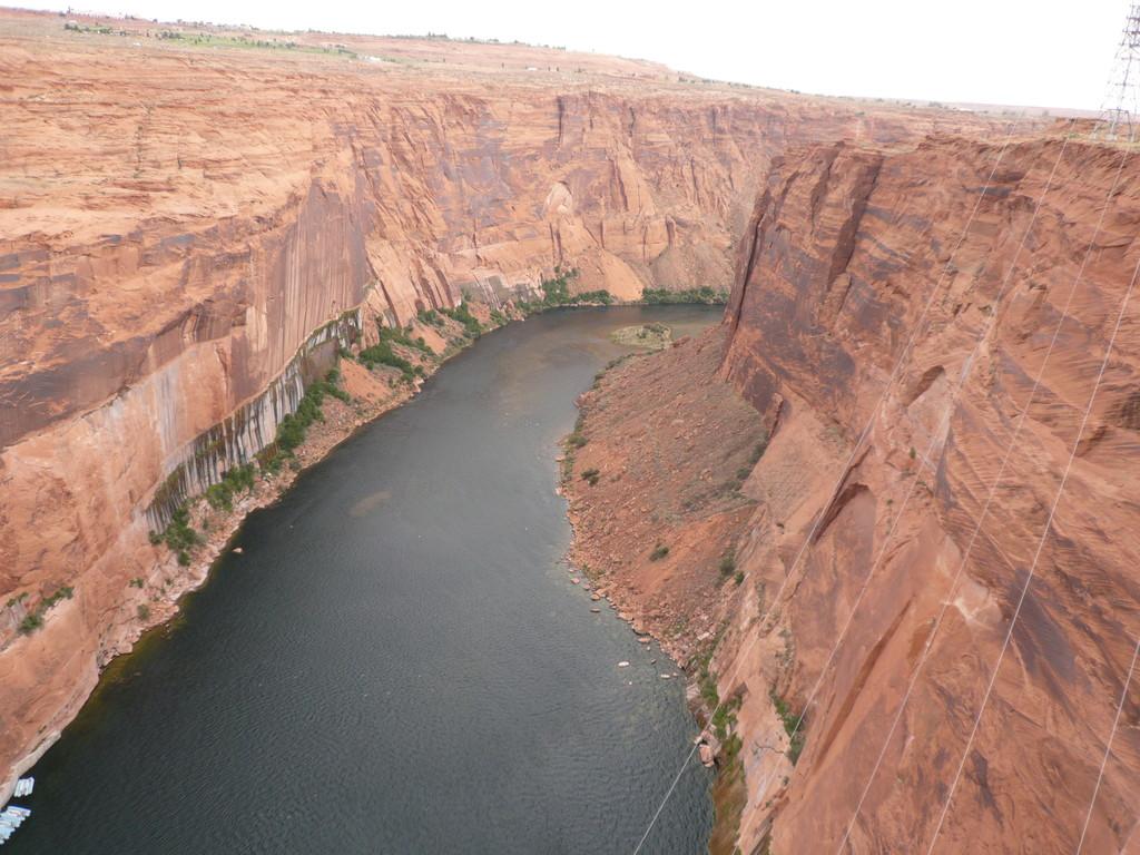 Blick von der Brücke auf den Colorado