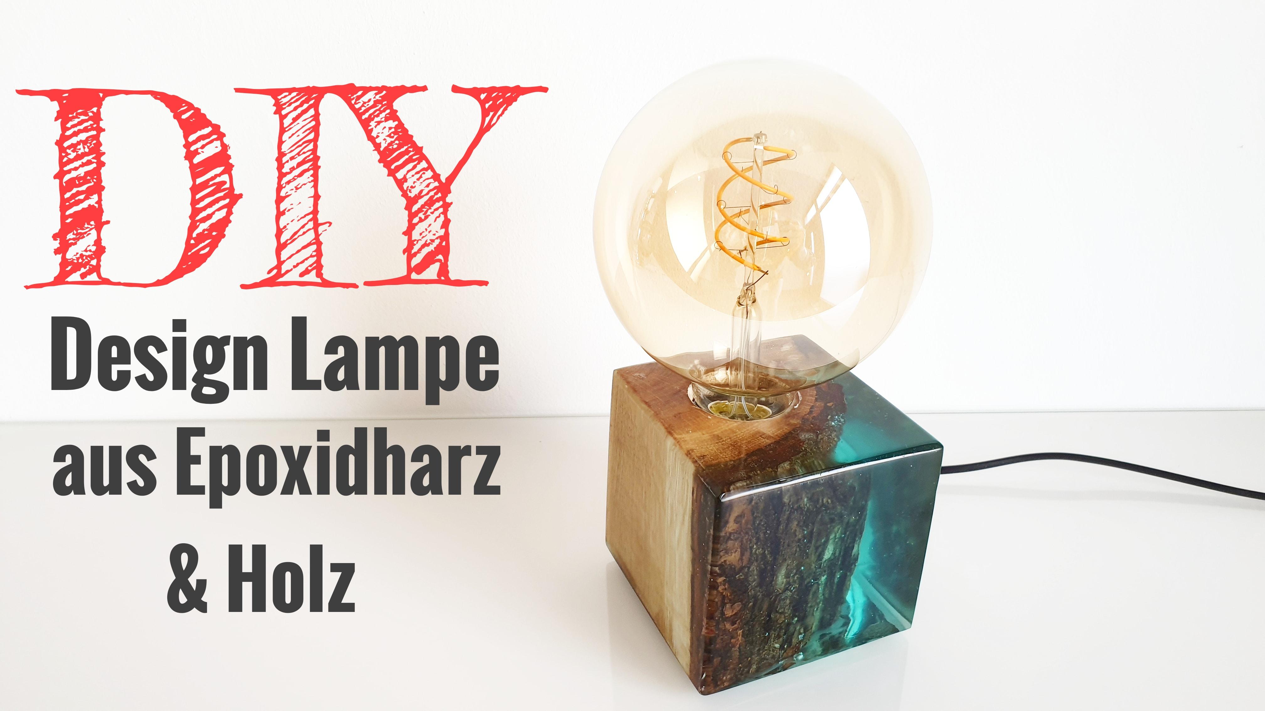 Lampe aus Holz und Epoxidharz
