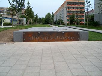 Das Salzstraßenband richtung Ost,Kreutzt die Stuttgarter Allee