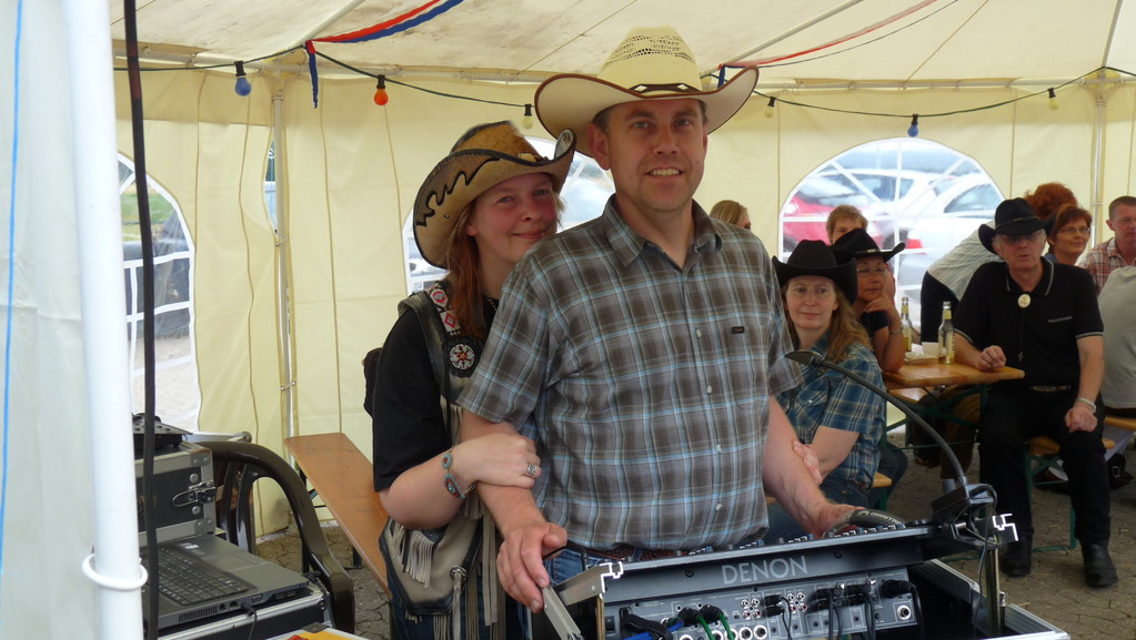 Dj Stan & Mel - Let's play Country Music ;o)