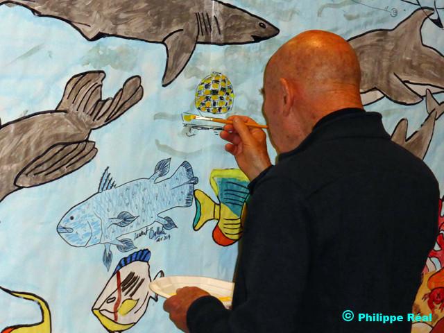 André LABAN desssinant une station d'habitation sous-marine au dessus du coelacanthe de Ballesta ...