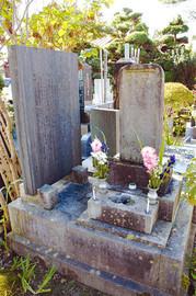 観福寺にある白虎隊の墓