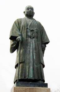 八戸の港の基礎を築いた、元八戸市長、 神田重雄も斗南人。          (八戸港を見下ろす館鼻公園に銅像とお墓がある)