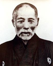 西越小学校 井関鎮衛校長(当時)