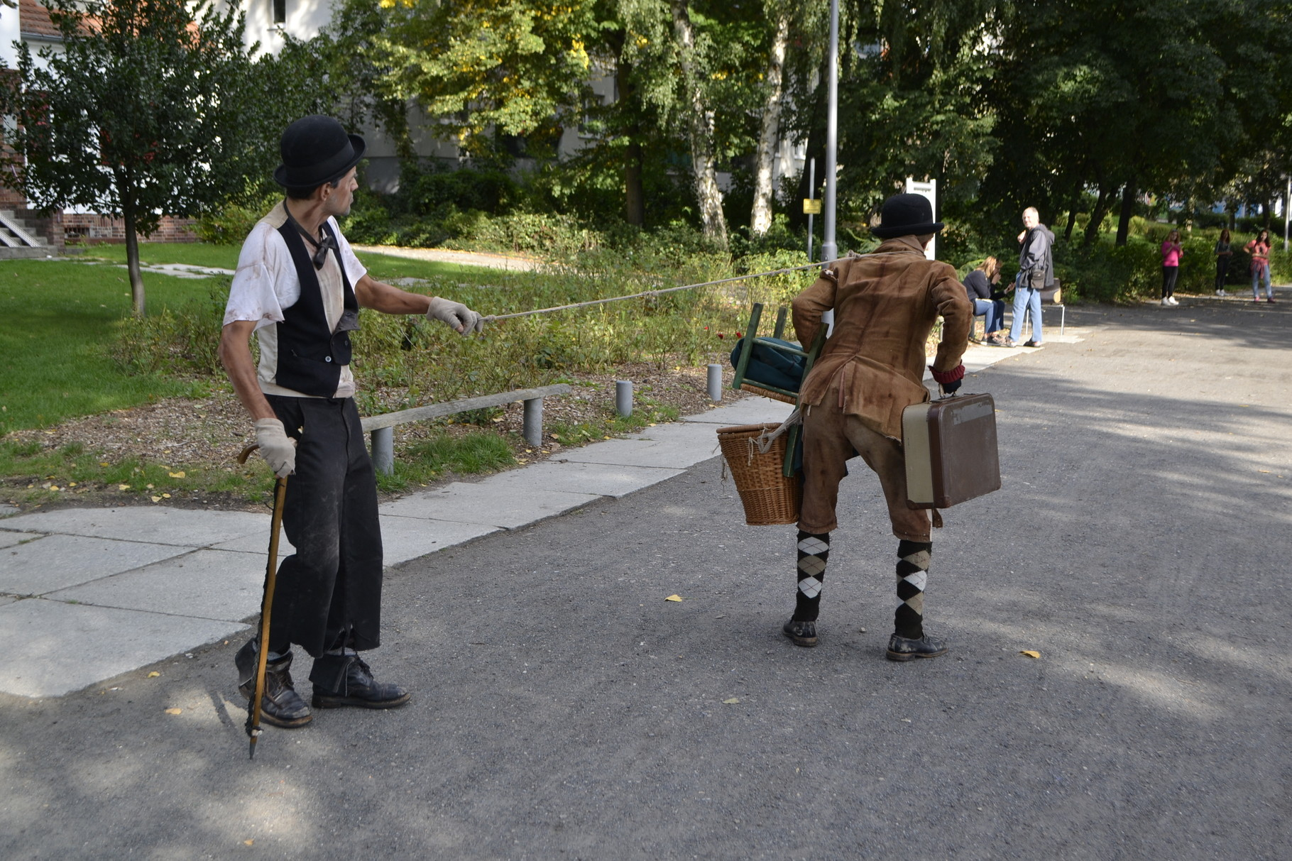"""Straßentheater-Walkact """"Lucky & Pozzo"""" von lunaelaltro_theater"""