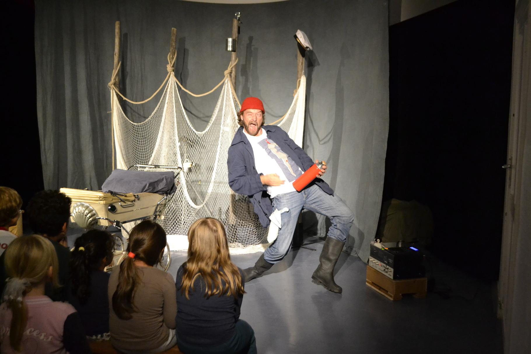 """Kindertheater """"Lütt Matten und die weiße Muschel"""" von TheaterGeist"""