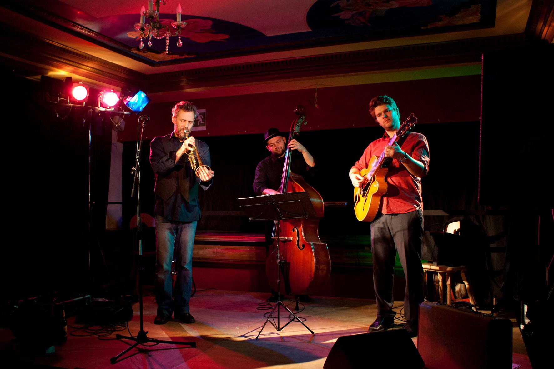 Konzert von The Berlin Buskerteers Power Trio