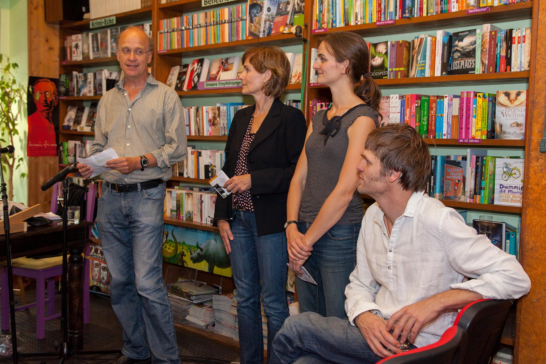 Festival-Eröffnung in der Buchhandlung am Schäfersee