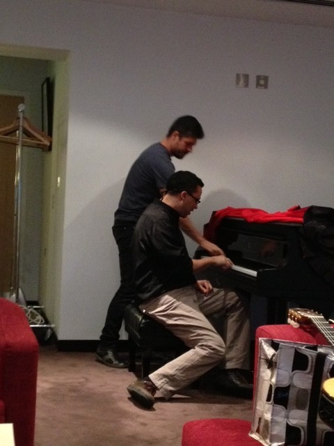 Rodrigo gives me a piano lesson on the Steinway in his dressing room (!) — at Sydney Opera House.