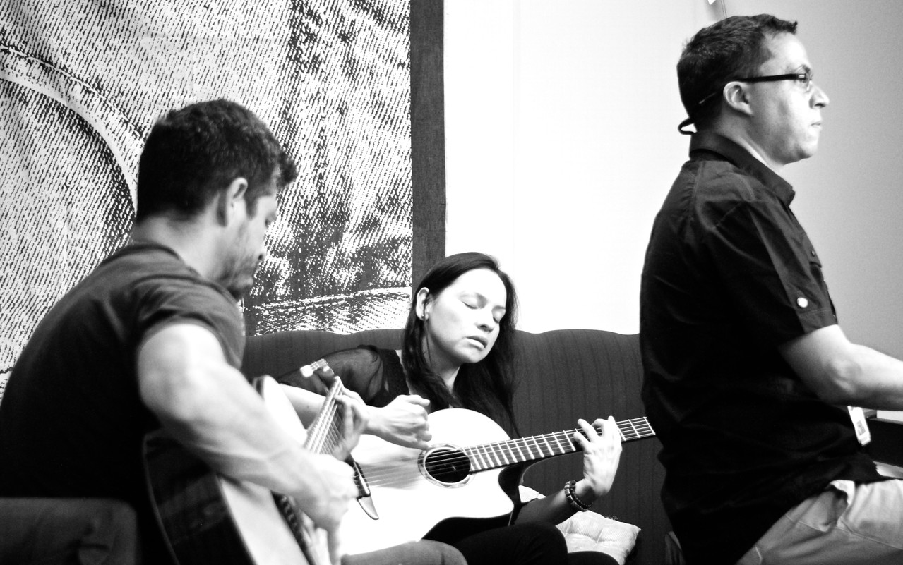 We warm up in the dressing room ... (photo Carlo Polli)