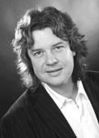 Frank Bossert - Gitarre, Pop-Piano & Schlagzeug