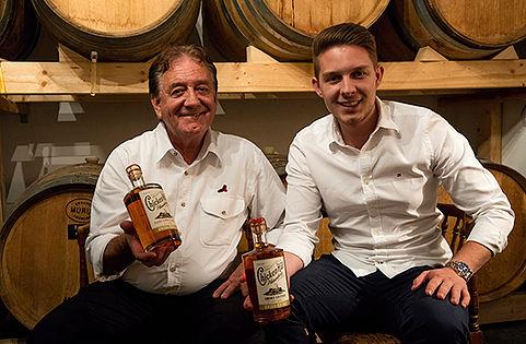 Werner mit Sohn Roman Limacher CHicken Hill Whisky