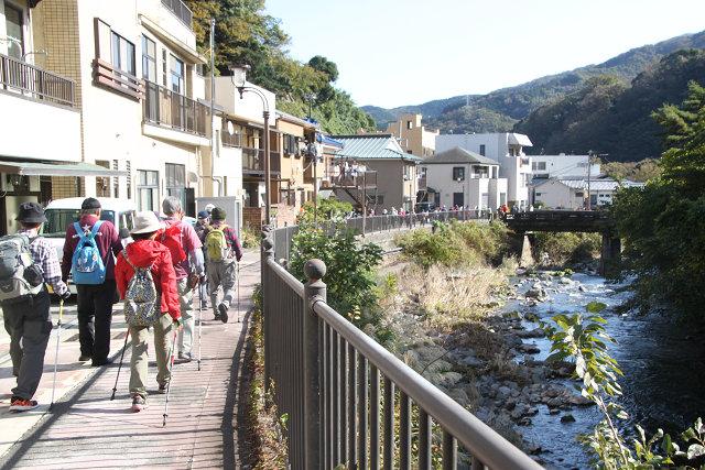 午後は福泉寺へ向けて歩く