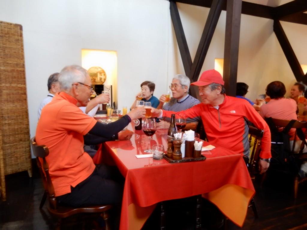 YNWS会長とTNW会長のテーブルも食事スタートです